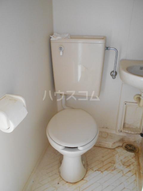 サマックスTH 101号室のトイレ