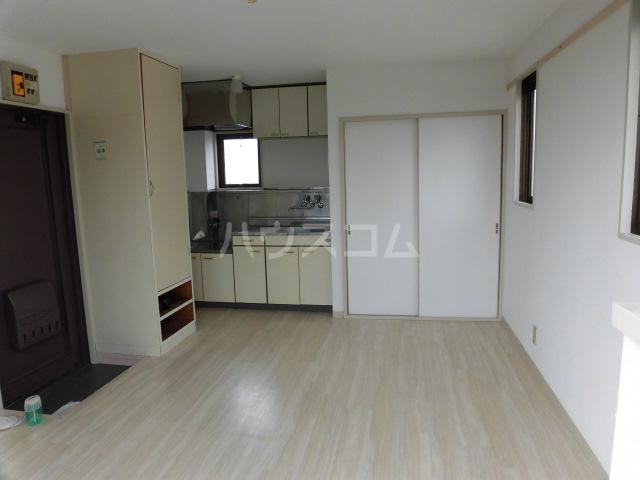 サンハイツ 201号室の居室
