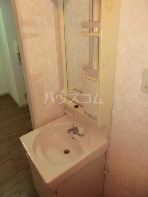 ファインハウスカミキⅠ 102号室の洗面所