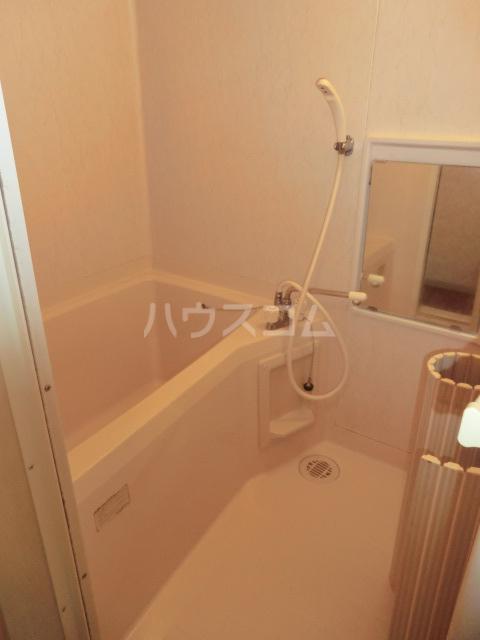 ファインハウスカミキⅠ 102号室の風呂