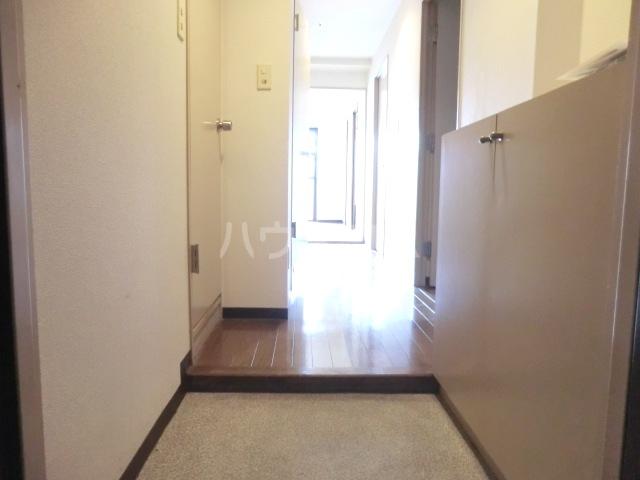 アルシュセマ 306号室の玄関