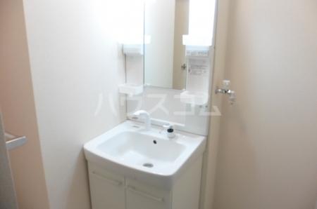 ベルデュール壱番館 201号室の洗面所