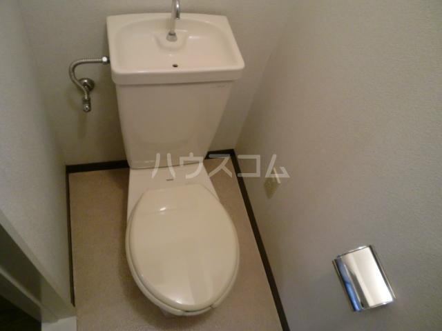 プリンシパル浦和 302号室のトイレ