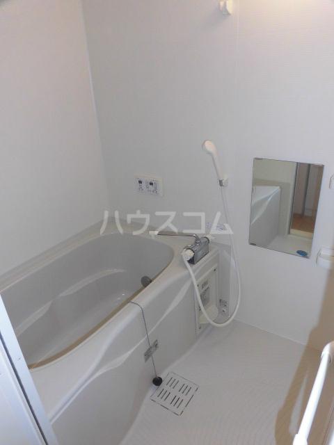 セントメゾン 202号室の風呂