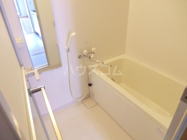 ミレニアム北浦和 B棟 207号室の風呂