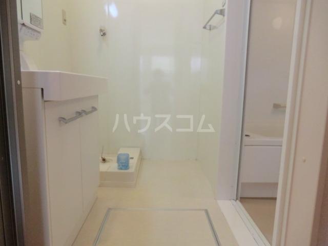 コンフォルト元町の洗面所