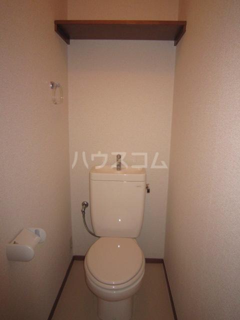 Fフラット町谷 Ⅱ 105号室のトイレ