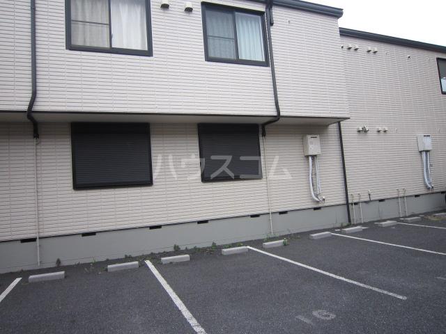 Fフラット町谷 Ⅱ 105号室の駐車場