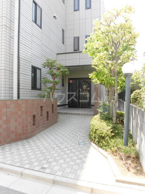 レジデンス・ツジムラⅢ 101号室のエントランス