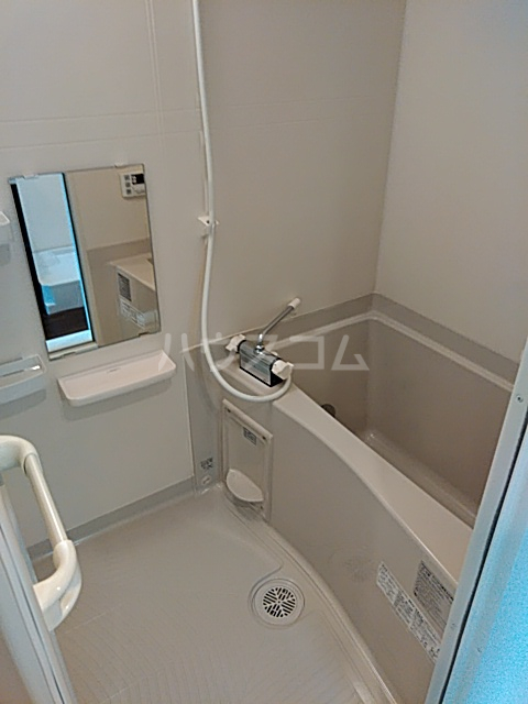 Auguri与野 C3号室の風呂