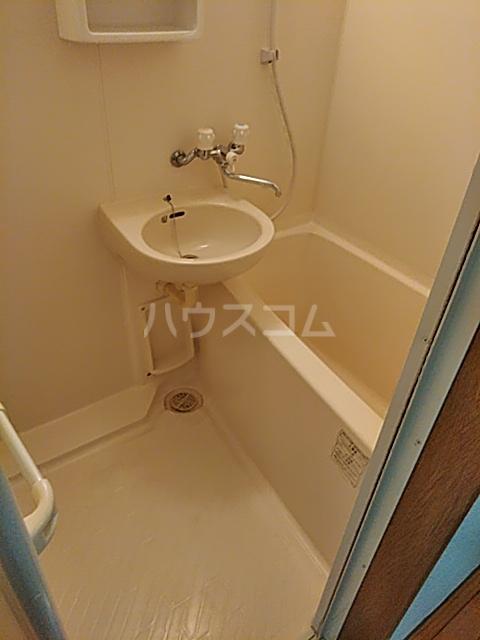 ルピナス船橋 303号室の風呂
