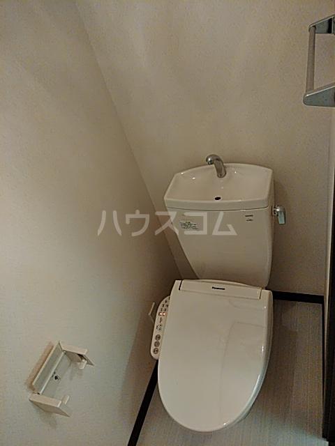 ル・ラフィーネ 101号室のトイレ