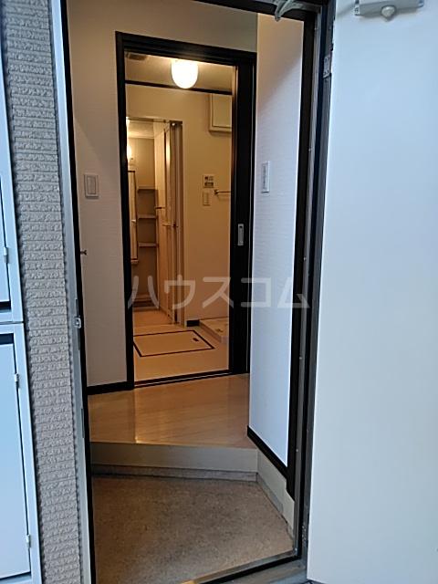 ル・ラフィーネ 101号室の玄関