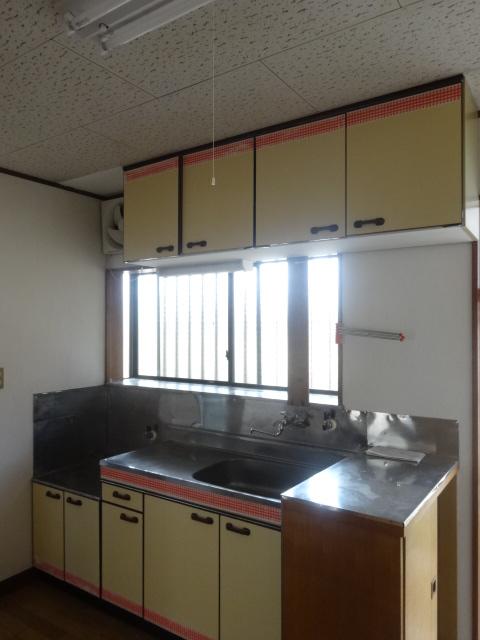 第三斉藤荘 102号室のキッチン
