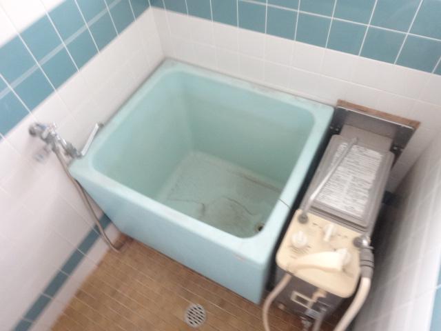 第三斉藤荘 102号室の風呂