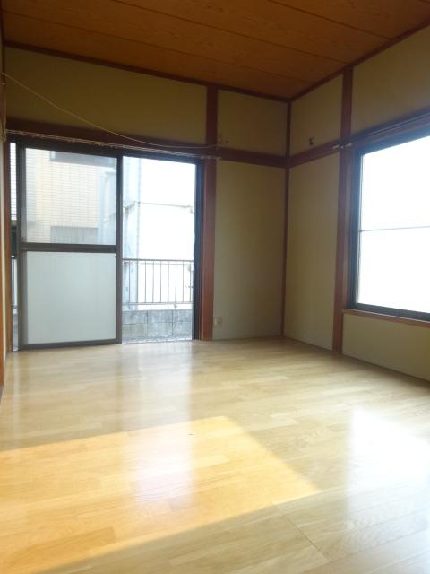 第三斉藤荘 102号室のリビング