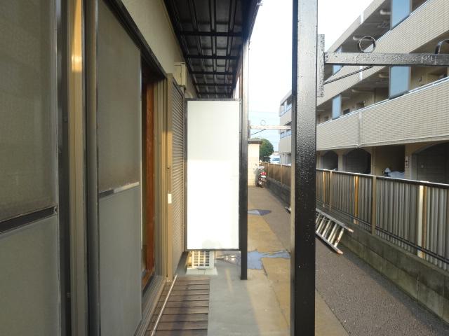 第三斉藤荘 102号室のバルコニー