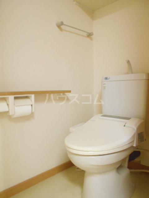 ファミール いけだ 302号室のトイレ
