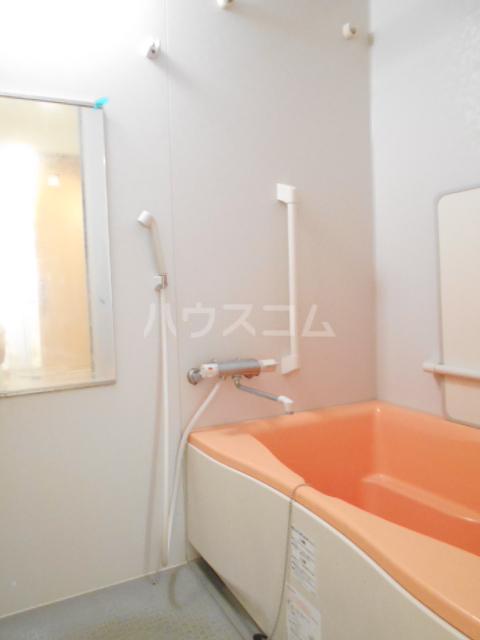 ファミール いけだ 302号室の風呂