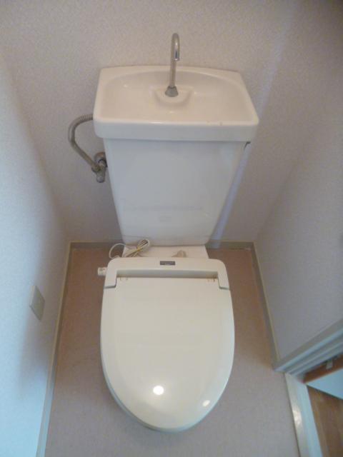 ガーデンシティ住吉 203号室のトイレ