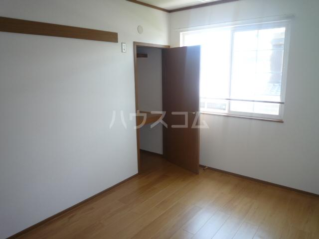フローレンス古田 B 202号室のベッドルーム