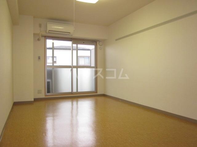 I's Villa Annex 303号室のリビング