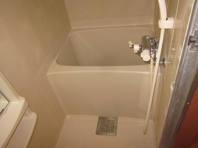 美春マンション 201号室の風呂
