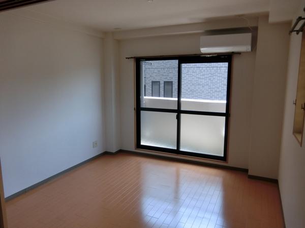 ヌーベルバーグ 302号室の居室