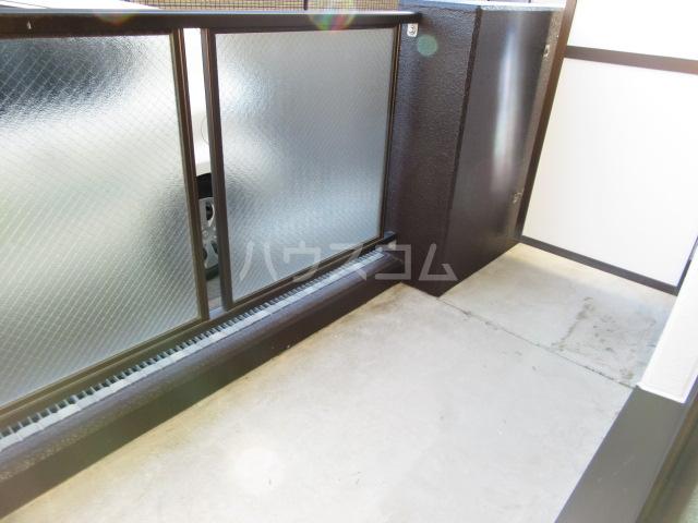 マンションアルティア Ⅱ 105号室のバルコニー