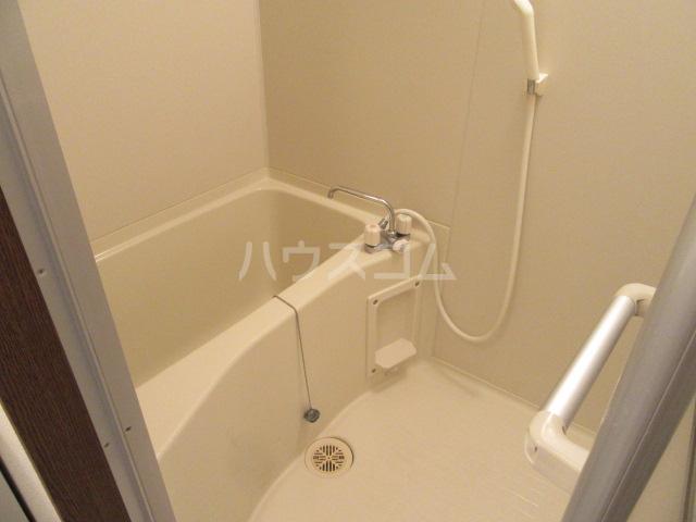 マンションアルティア Ⅱ 105号室の風呂