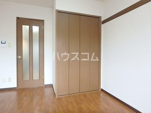 マンションアルティア Ⅱ 302号室の居室