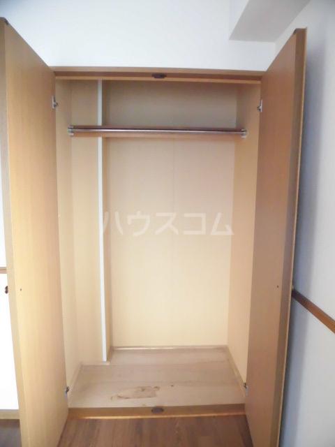 ベアーガーデン 302号室の収納