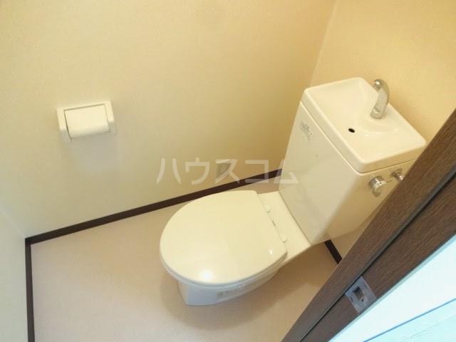 D-FELLOW 502号室のトイレ