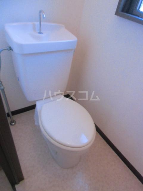 マンションサザンⅡ 402号室のトイレ