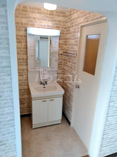 パークサイドハイツ 201号室の洗面所