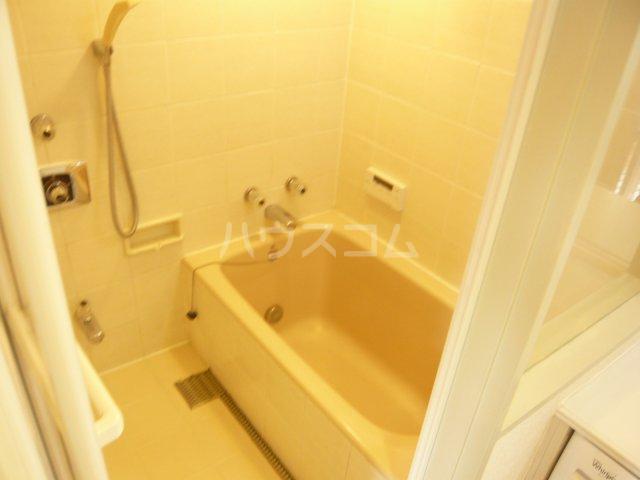 ミュゼ駒沢 102号室の風呂