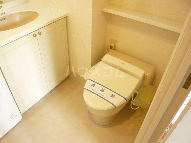ミュゼ駒沢 102号室のトイレ