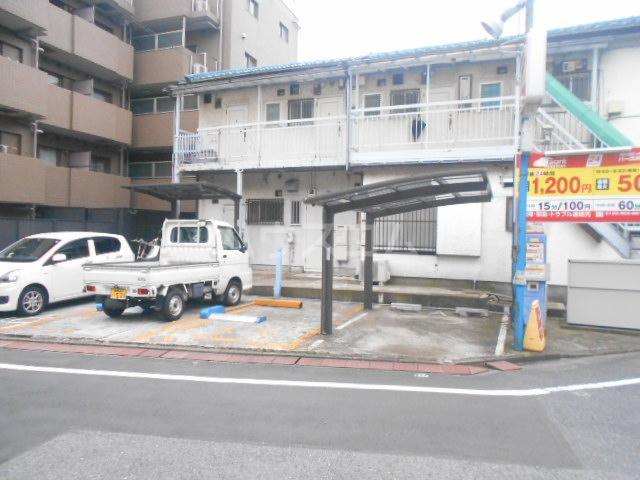 ミュゼ駒沢 102号室の駐車場