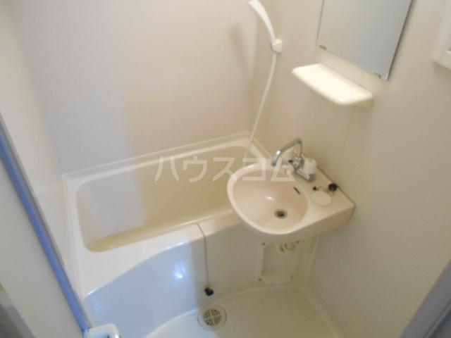 ラ・インサラーテ 103号室の風呂
