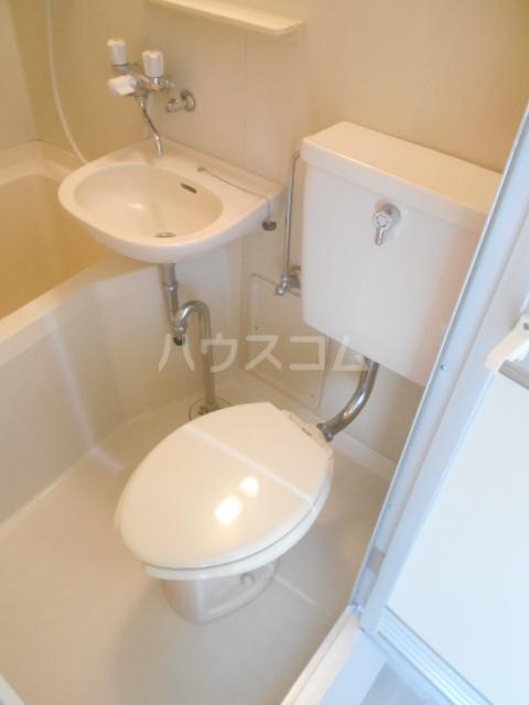 レザン池尻 406号室のトイレ