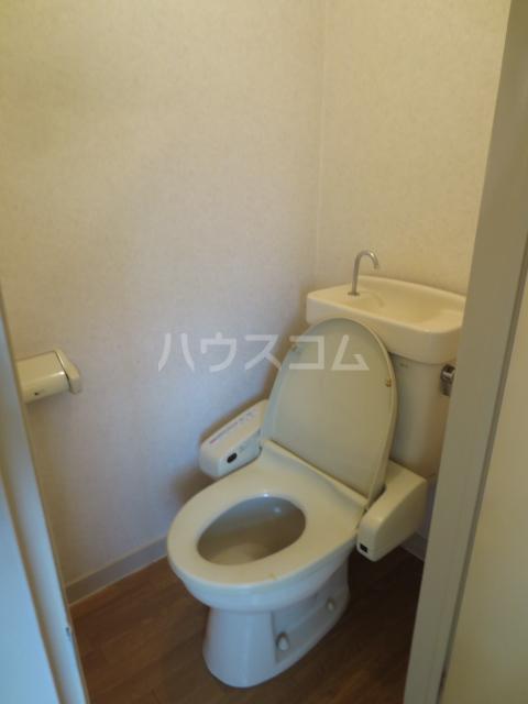 ラピス等々力 205号室のトイレ
