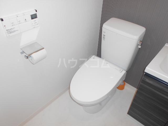 グランヴァン駒沢大学 602号室のトイレ