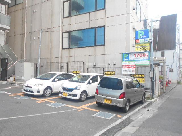 グランヴァン駒沢大学 602号室の駐車場
