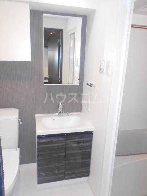 グランヴァン駒沢大学 602号室の洗面所