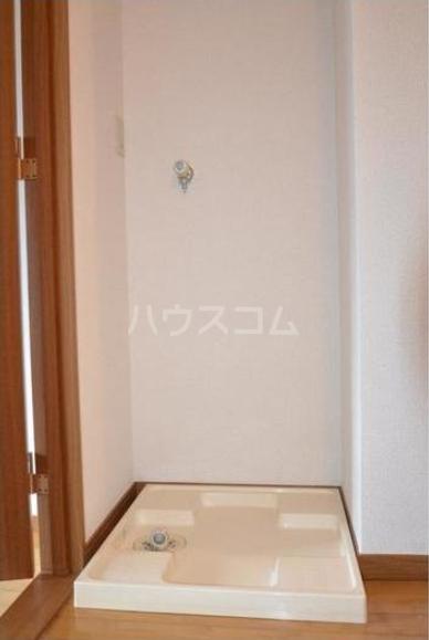 セント・ティアラ 601号室の洗面所