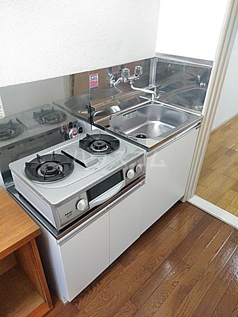 メゾン・ド・ワイズ 102号室のキッチン