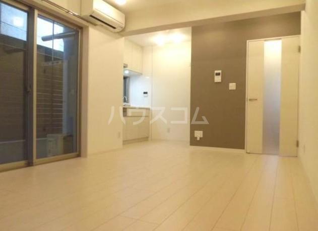 グランデュオ駒沢Ⅱ 104号室のリビング