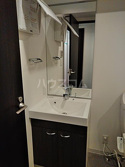 コンポジット上野毛 203号室の洗面所