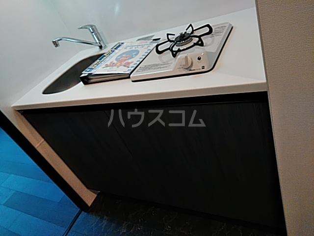 コンポジット上野毛 203号室のキッチン