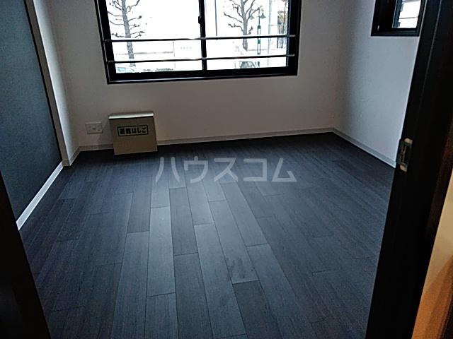 コンポジット上野毛 203号室の居室